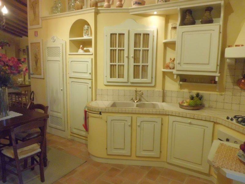 Cucinedeimastri outlet - Cucine piastrellate ...