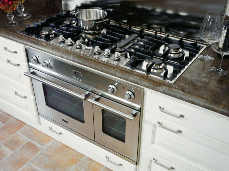 Cucinedeimastri outlet for Piani artistici per la casa