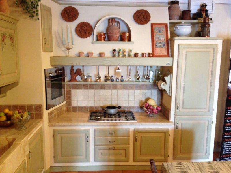 Cucina angolare county effetto muratura le cucine dei mastri - Cucine piastrellate ...