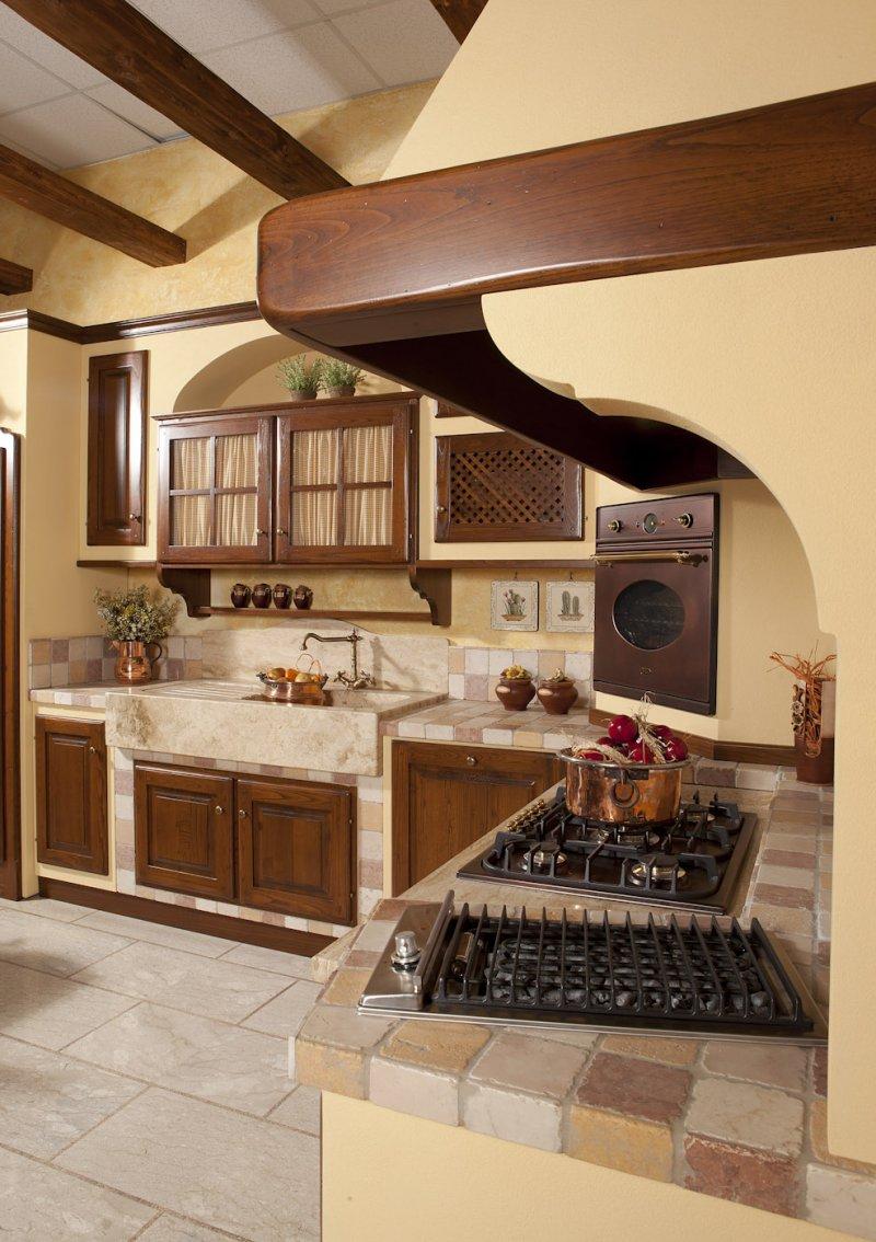Cucina Country angolare effetto Muratura - Le Cucine dei Mastri